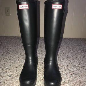 Women's Black Hunter boots size 7